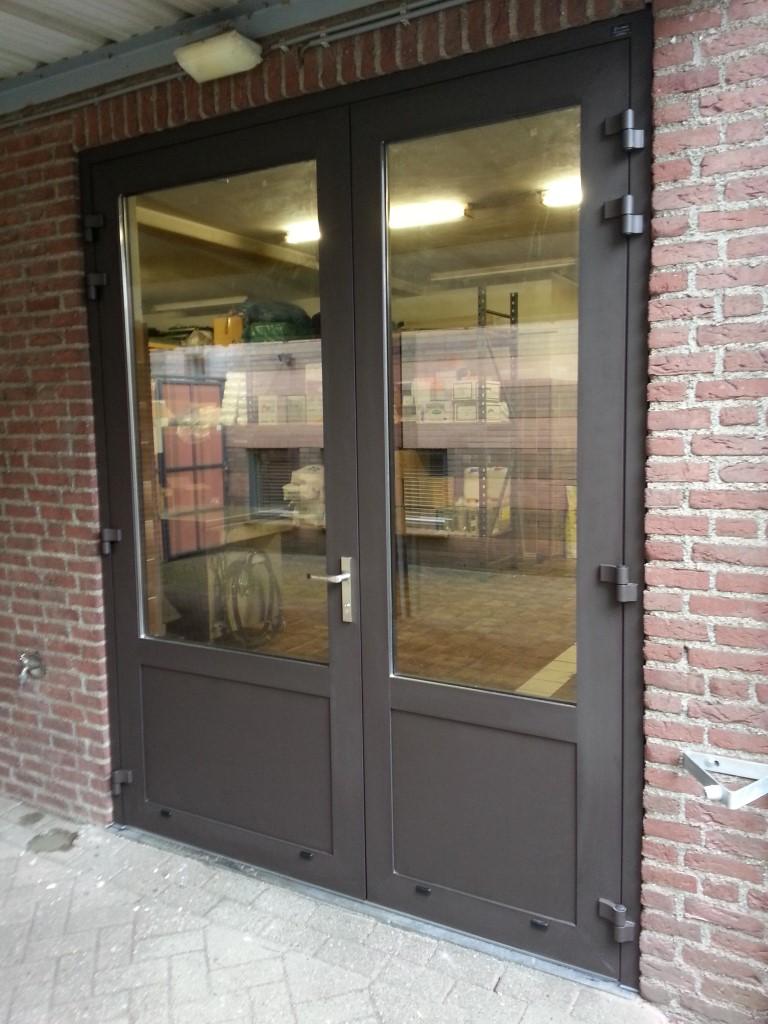Openslaande garagedeuren   Budel   Different Doors Garagedeuren